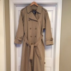 Vintage Burberry Trench w/ Lining X-Long